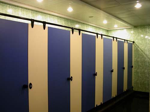HPL to kolejna mała rewolucja w historii toalet. Zwłaszcza jeśli chodzi o koszty ich utrzymania.